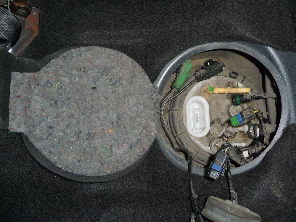 tuto fuite de diesel sur le r servoir de peugeot 407 hdi. Black Bedroom Furniture Sets. Home Design Ideas